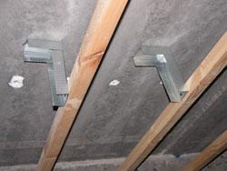 Alaslaskettu katto rakenne