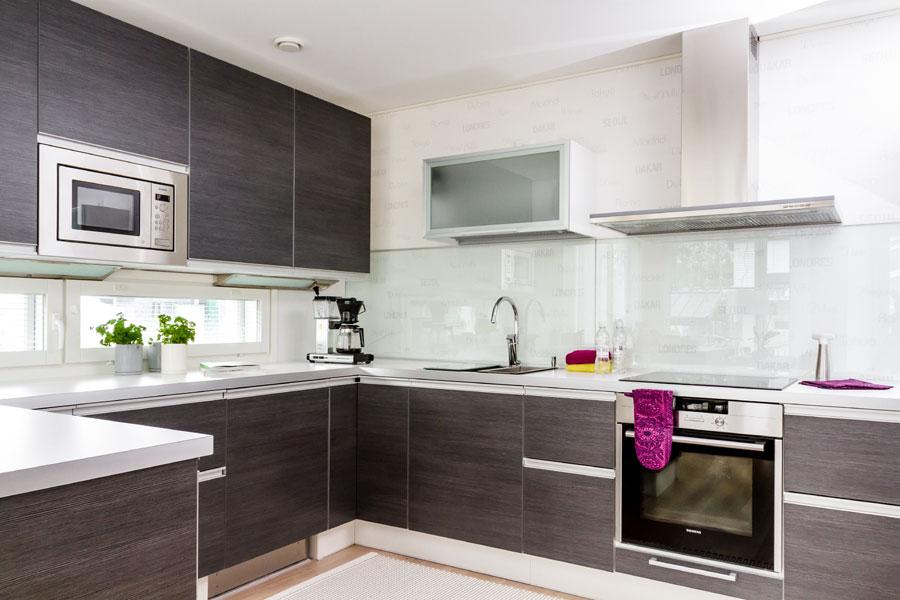 Makupaloja Asuntomessuilta Woodpecker – auringonkierron talo