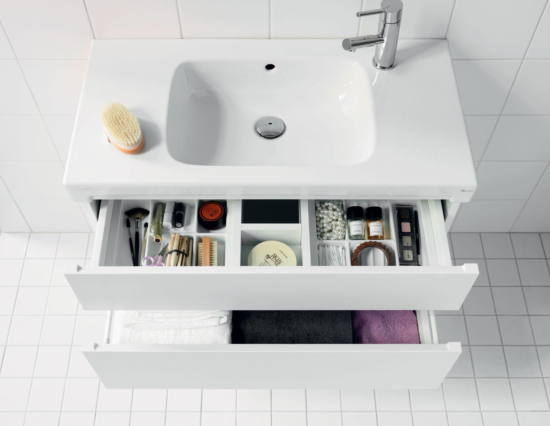Kylpyhuoneen säilytys