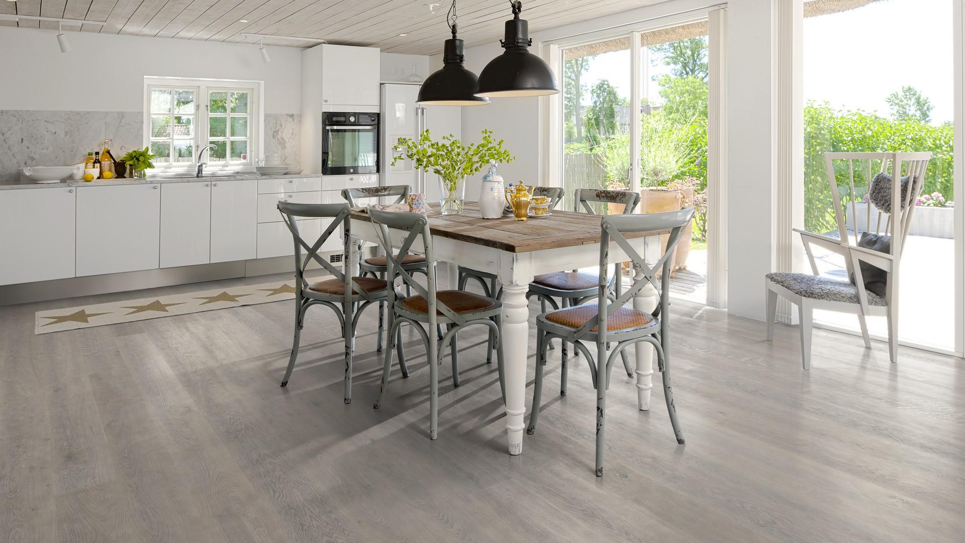 Parketti : Karelia parketti on tyylikäs ja kestävä valinta kotisi lattiaksi