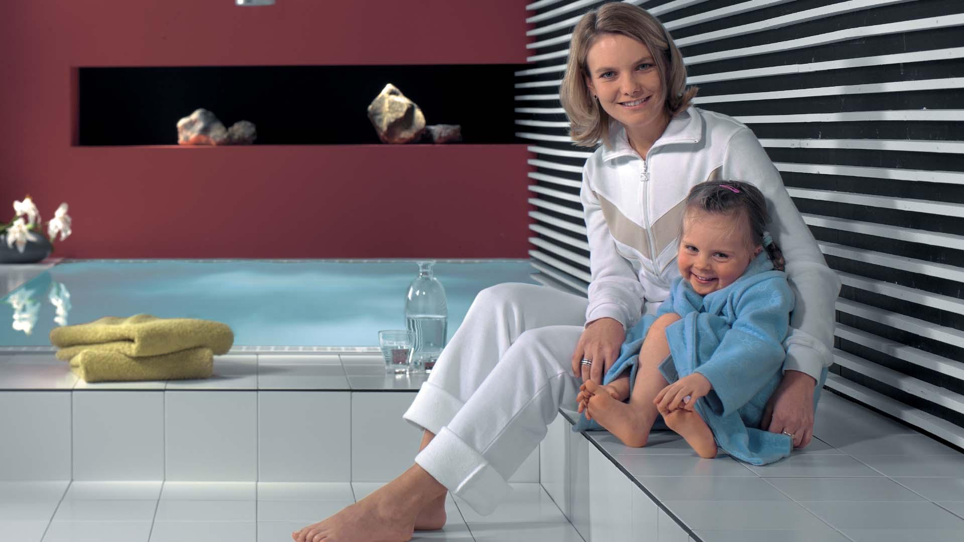 Lämmin lattia on mukava ja kosteat tilat kuivuvat paremmin, kun lattialämmitys on käytössä.