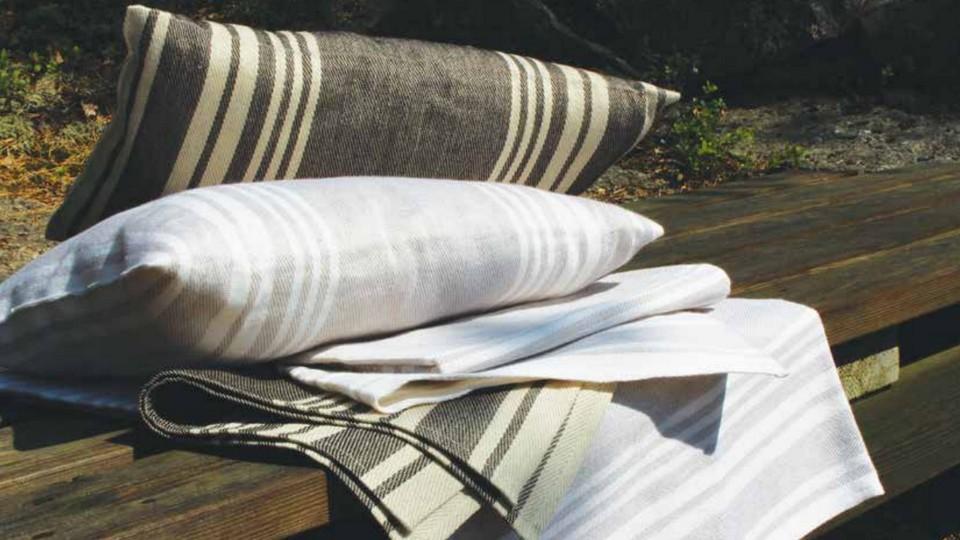 Materiaali kaikissa tekstiileissä on miellyttävää pellavaa ja puuvillaa.