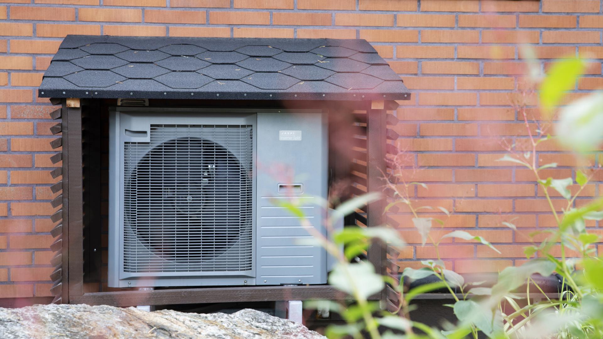 Asiakas voi hakea Jäspi Lämmitysrahoitusta koko lämmitysjärjestelmän hankintahinnalle, eli työn osuudelle ja laitehankinnalle.