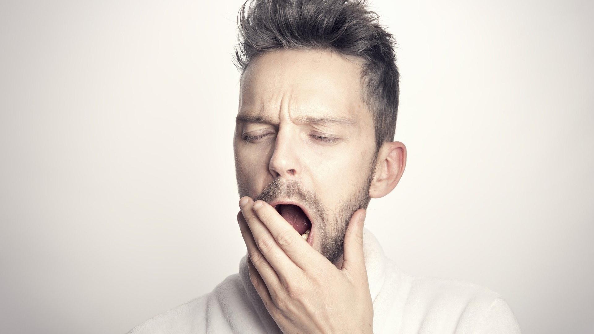 Ilmastoinnista aiheutuva melu makuuhuonessa voi vaikuttaa häiritsevästi unen laatuun