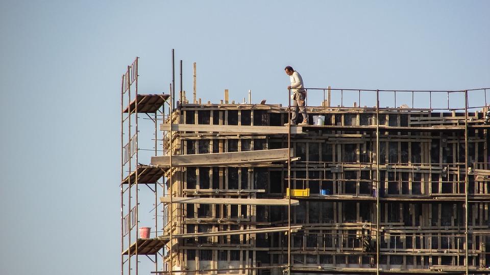 Telineiden rakentaminen ja telineillä työskentely vaatii erityisesti huomiota