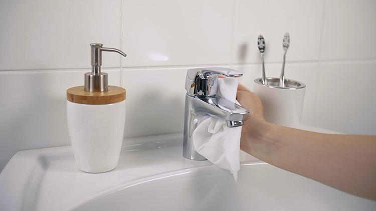 Emäksinen Pesuaine Kylpyhuone
