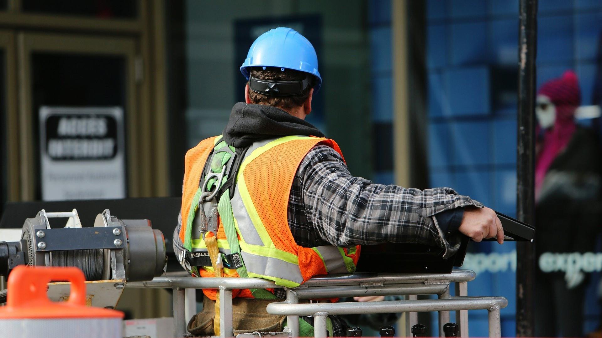 Työturvallisuus jatkaa kehitystään, kun työturvallisuuskorttikoulutus ja ePerehdytys yhdistyvät