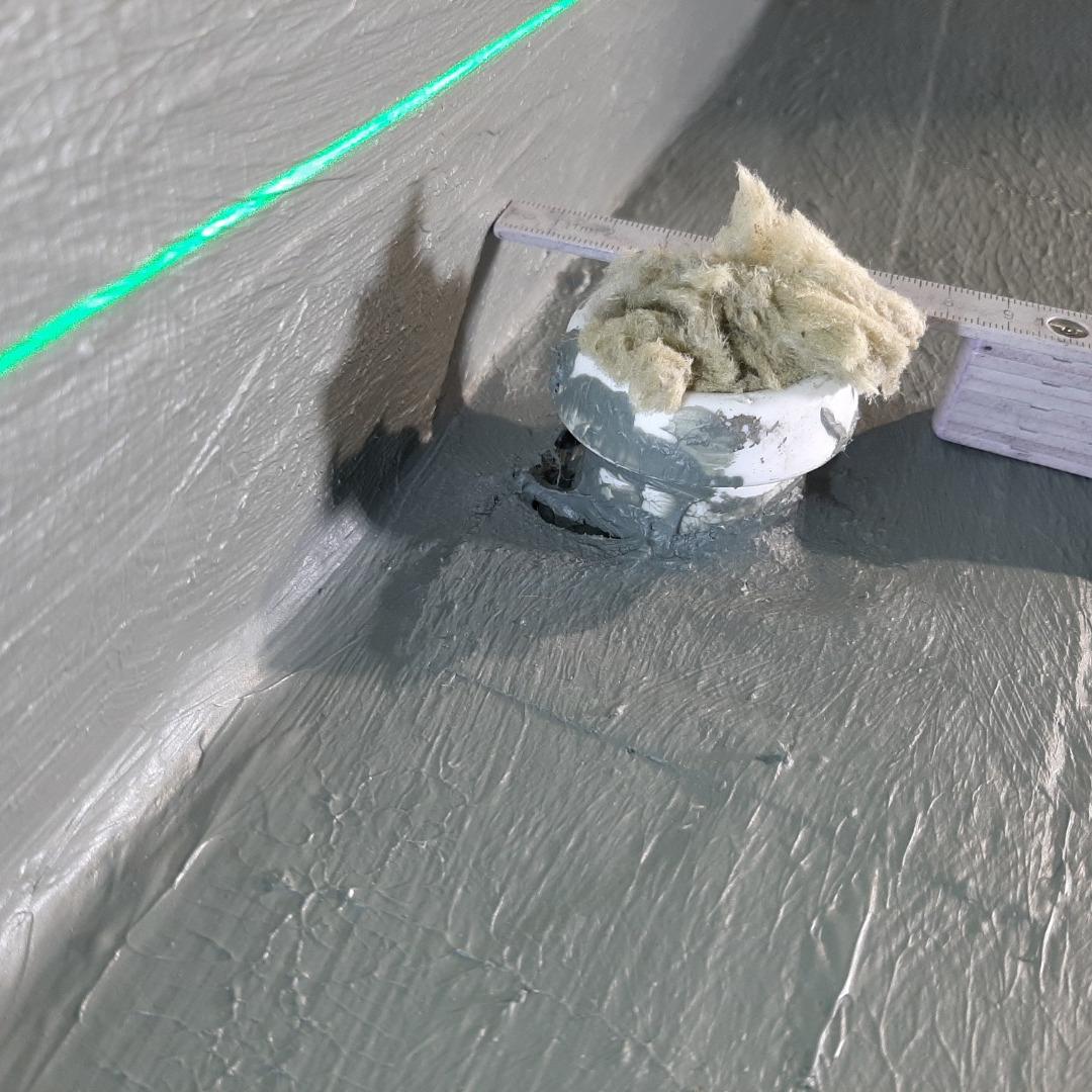 Puutteellisesta läpiviennin vedeneristäminen aiheuttaa kosteusvaurioriskin