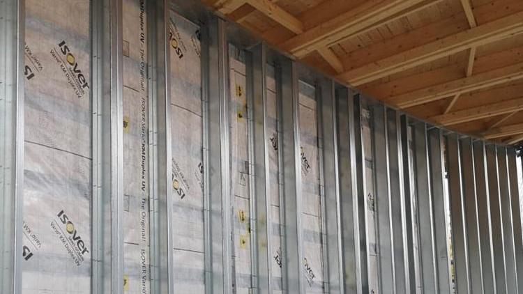 Lohjan asuntomessuille 2021 valmistuvan Pyörre-talon kaikki väliseinät - kuten muutkin rakenteet - on toteutettu Aulis Lundell Oy:n teräsrangoilla.