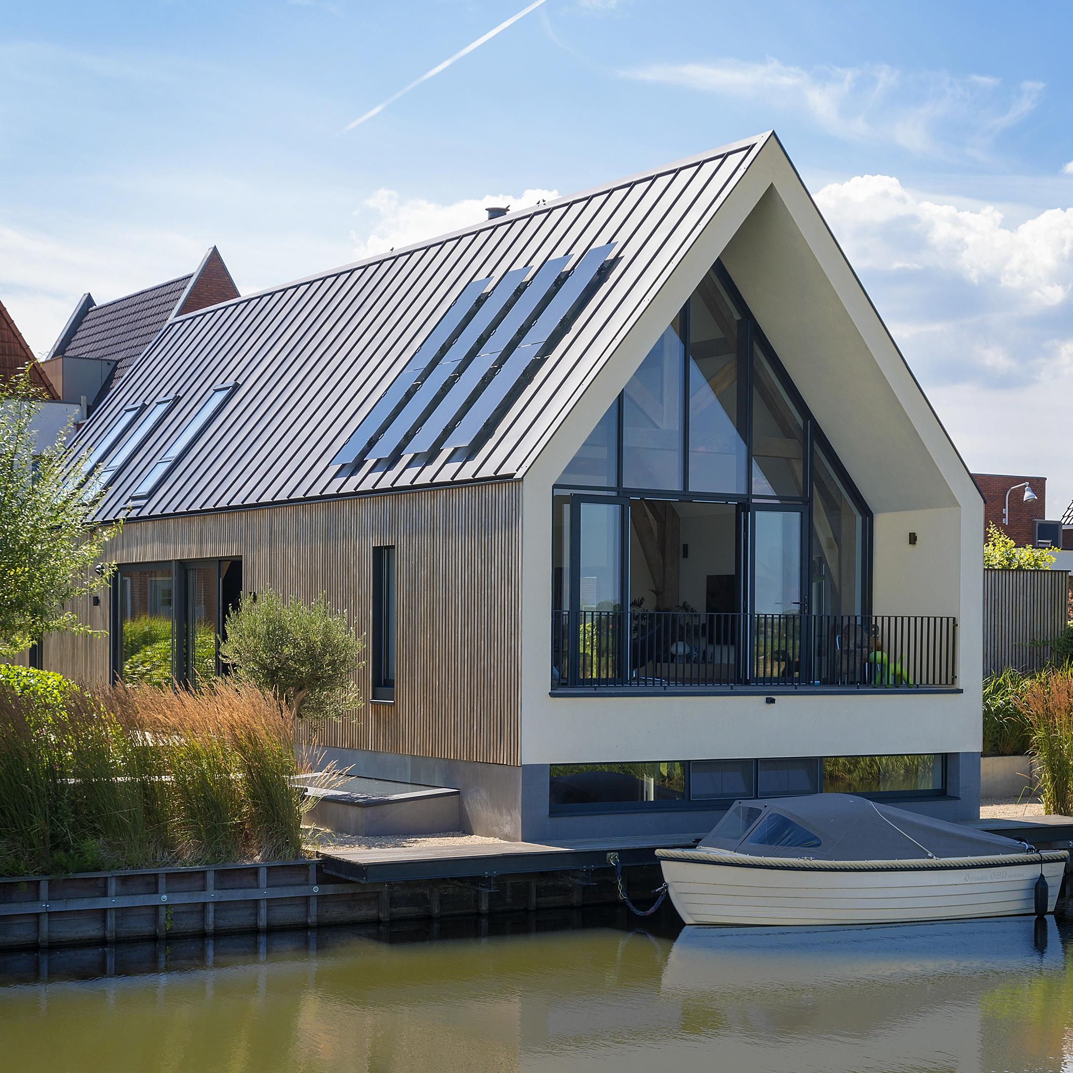 GreenCoat®-tuotteiden korkea laatu ja monipuolisuus mahdollistavat vaativimpienkin rakennuskohteiden toteuttamisen tyylikkäästi. Useat GreenCoat®-teräksestä valmistetut rakennukset ovatkin voittaneet erilaisia kansallisia ja kansainvälisiä arkkitehtipalkintoja.