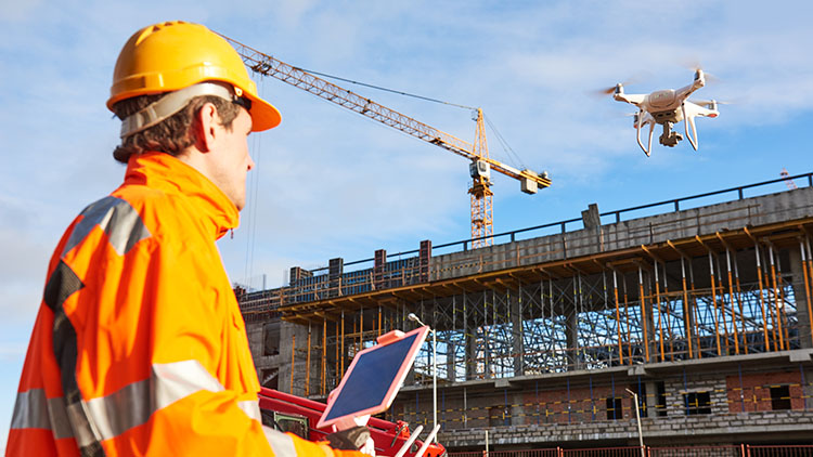 Uudet teknologiat rantautuvat rakennusteollisuuteen, kuten dronet, tekoäly, virtuaalitodellisuus ja 3D.