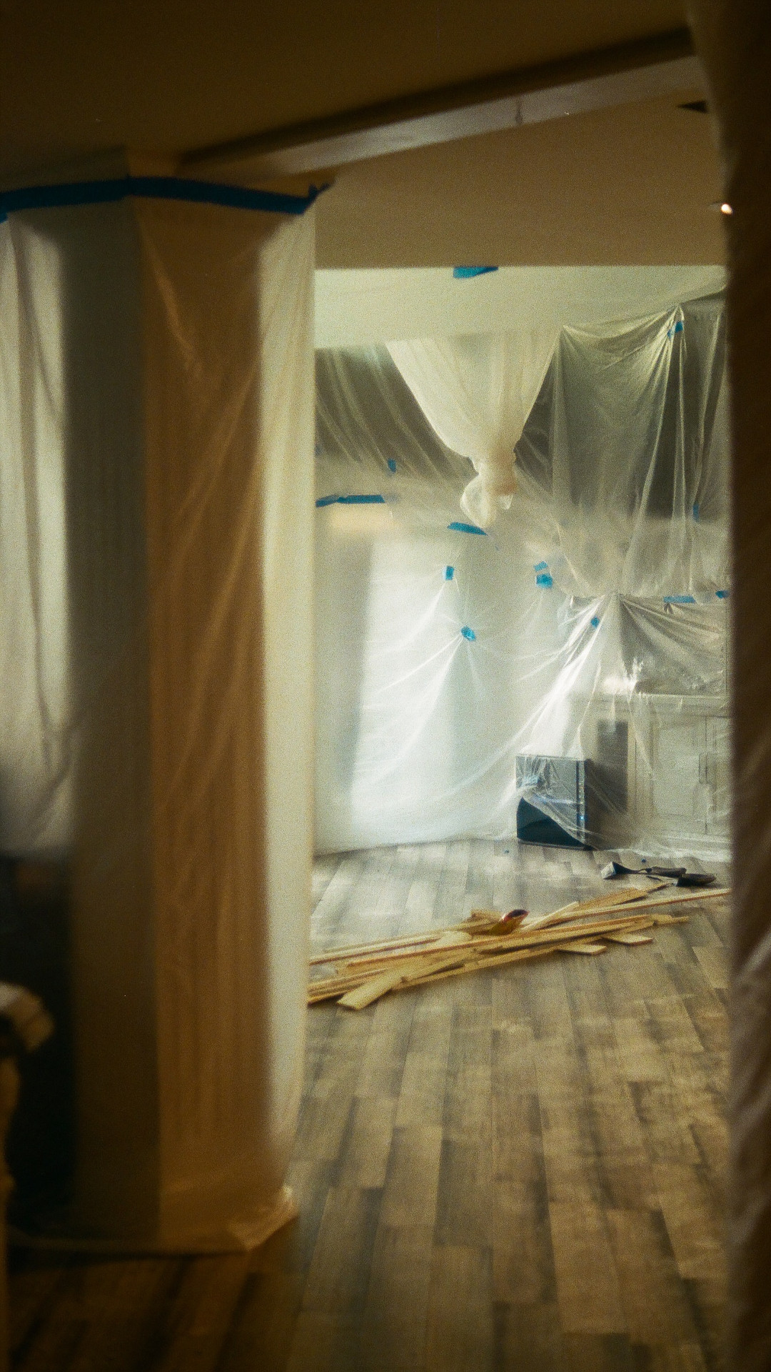 Muovi on yleisesti käytetty materiaali esimerkiksi suojauksessa
