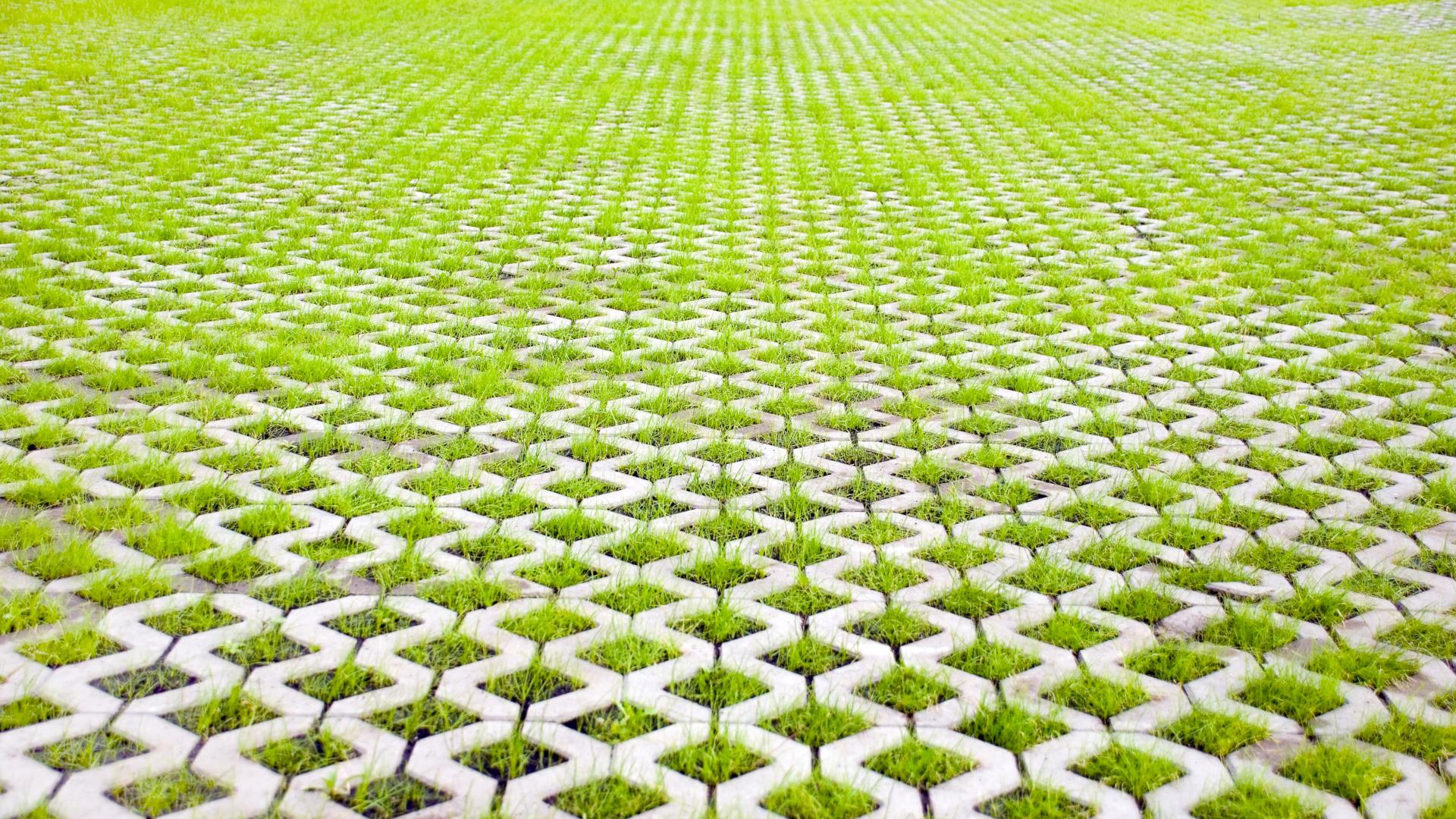Ilmaa puhdistavat betonilaatat eivät välttämättä vielä arkipäivää ole, mutta erilaisia ratkaisuja on mahdollista yhdistellä ilmaston hyväksi