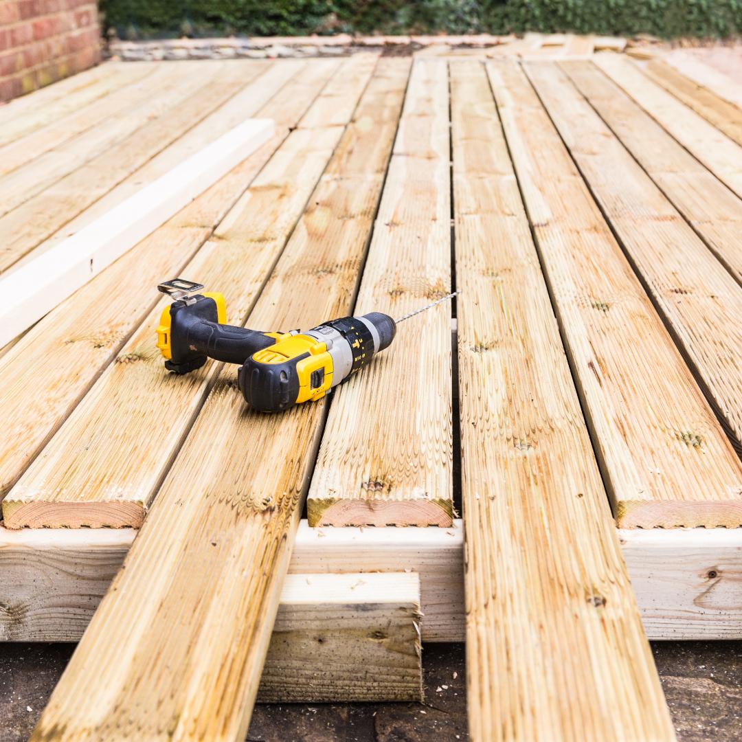 Materiaalikustannusten - esimerkiksi puutavaran - nousu yhdessä osaajapulan kanssa voi hidastaa tai siirtää asuntorakentamista loppuvuonna