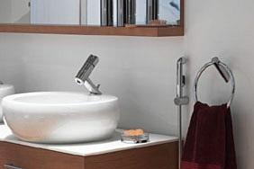 Kylpyhuoneiden vesikalusteet taloyhtiössä