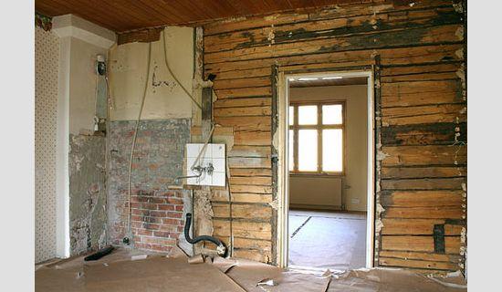 Puustelli keittiöllä uusi ilme, vanhan keittiön purku