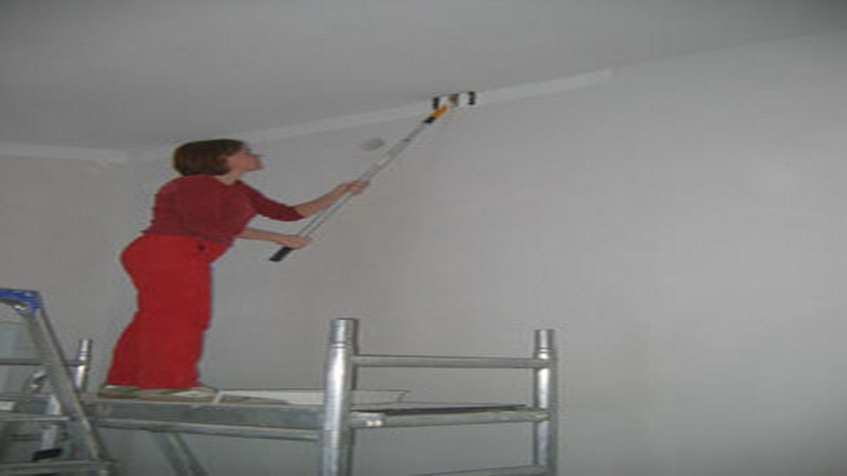 Tasoitetyöt valmiiksi ja aloitetaan seinien maalaukset